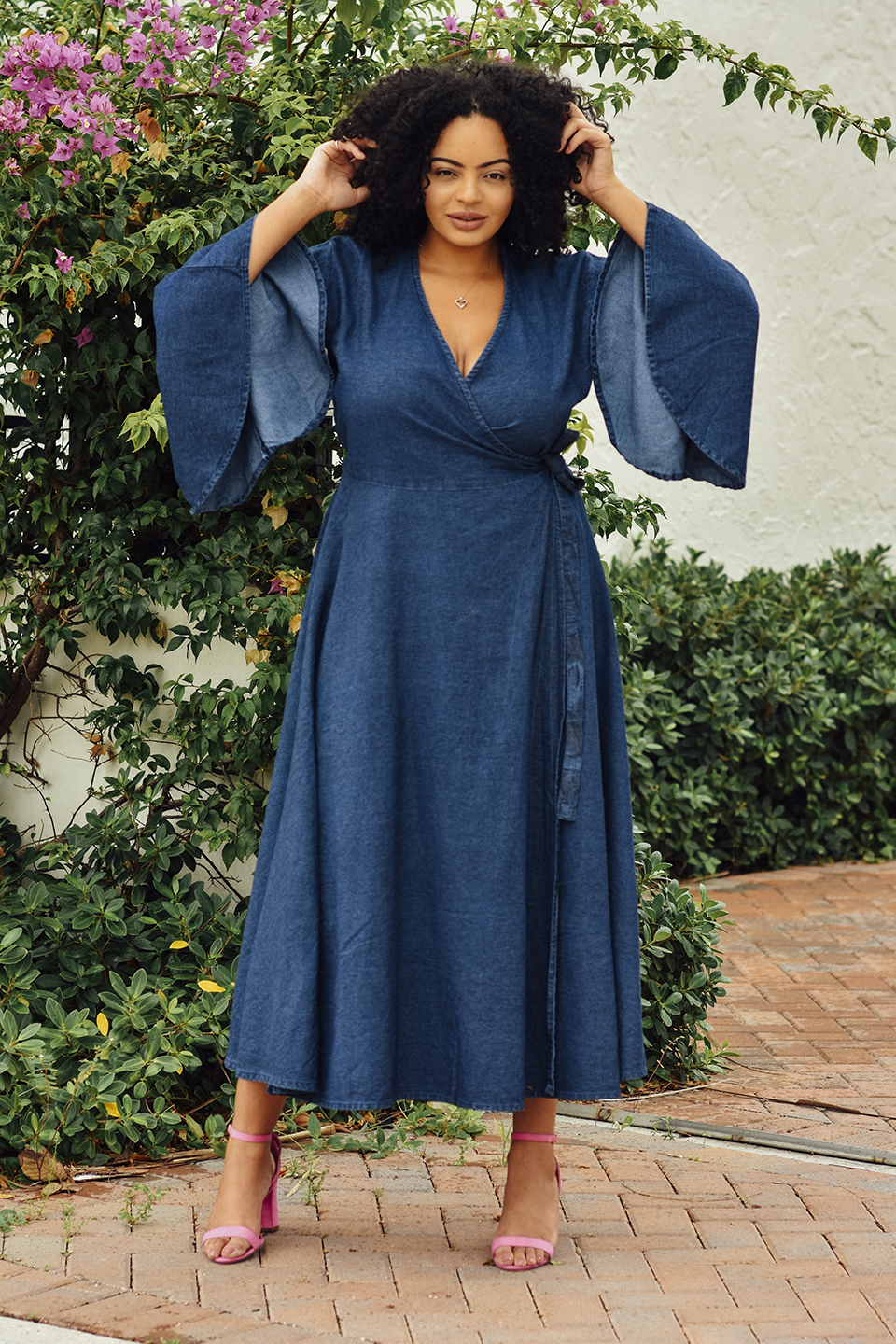 Plus-Size Lifestyle & Travel Blogger wearing Bombshell Boutique Dress in West Palm Beach, Florida