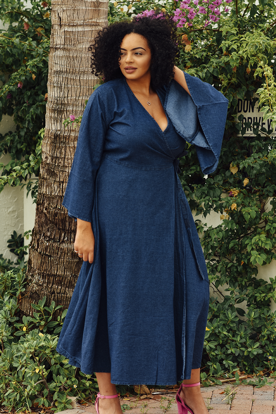 About Me | Plus-Size Lifestyle & Travel Blogger wearing Bombshell Boutique Dress in West Palm Beach, Florida